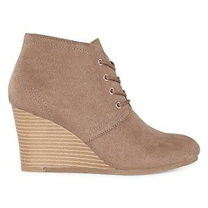 Arizona Lace Up Wedge Ankle Booties NEW Size 10